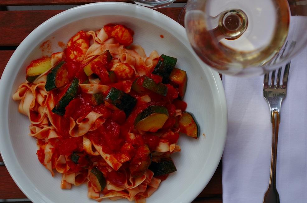 Fettuccine mit Garnelen und Zucchini