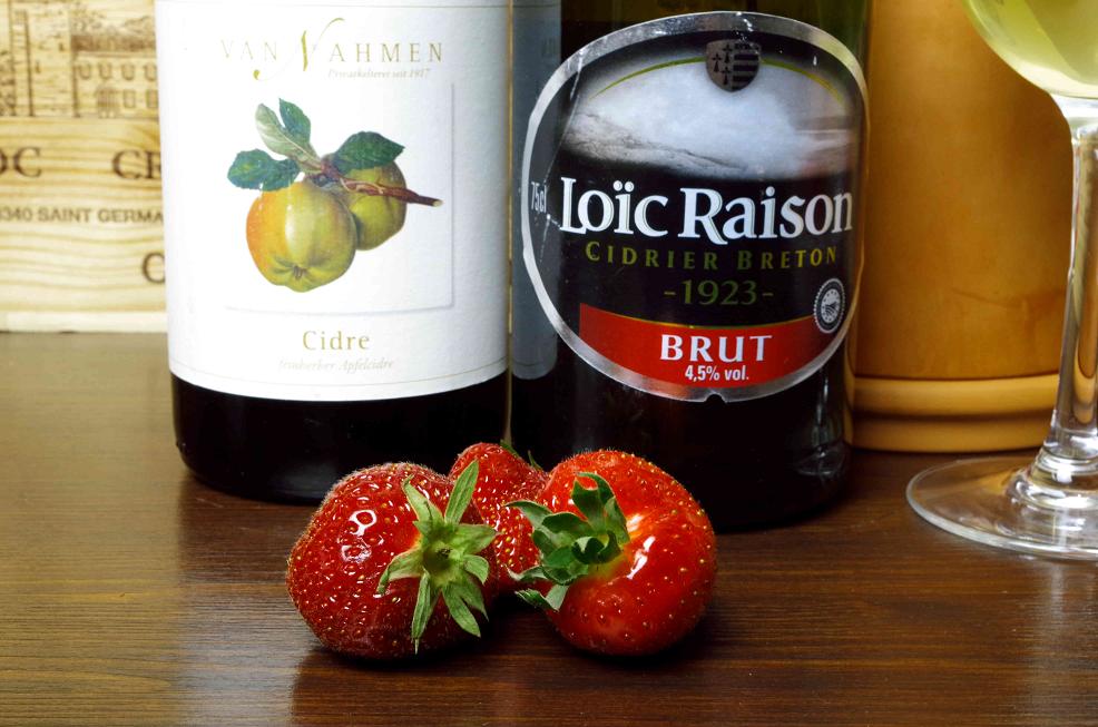Cidre und Erdbeeren